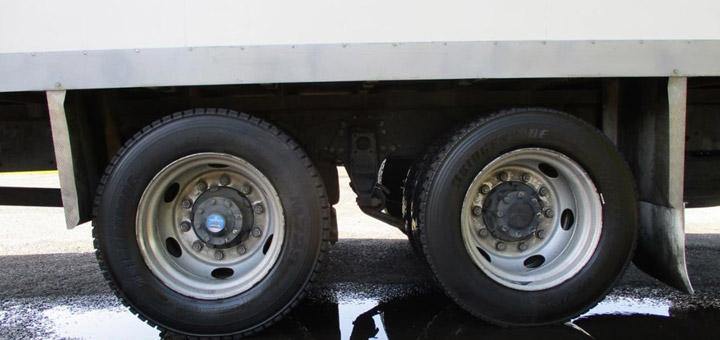 consejos-cuidar-frenos-de-tu-camion-de-carga-cuida-neumaticos
