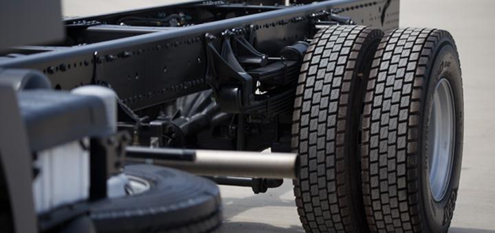 mejorar eficiencia combustible camion carga presion neumaticos
