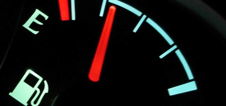 funcionamiento sistema combustible camiones indicador
