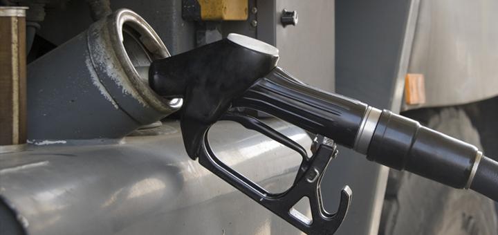 llena tanque combustible
